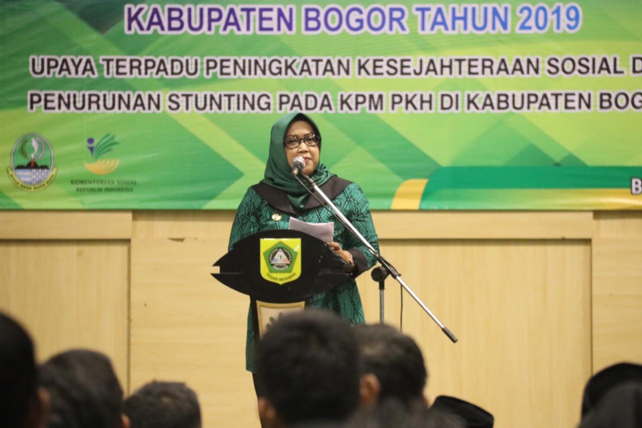 Bupati Bogor Ade Yasin saat membuka Rapat Koordinasi Daerah (Rakorda) Program Keluarga Harapan (PKH) Kabupaten Bogor Tahun 2019 yang dilaksanakan di Gedung Tegar Beriman