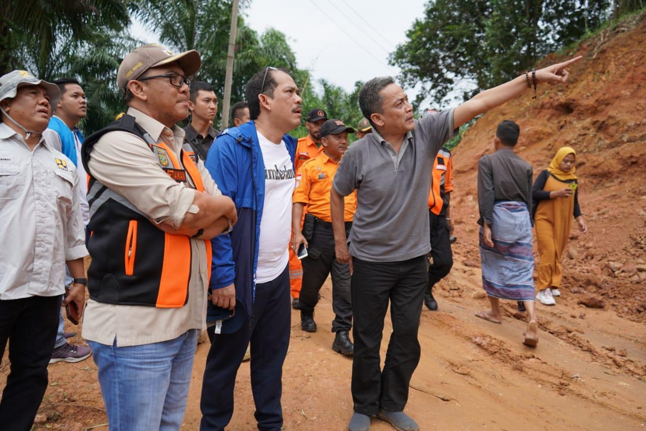 Wabup Bogor Tinjau Lokasi Bencana di Kecamatan Sukajaya