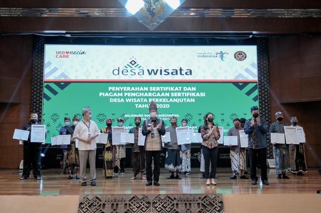 Kemenparekraf Ri Berikan Penghargaan Desa Wisata Batu Layang Kabupaten Bogor Sebagai Desa Wisata Berkelanjutan Kabupaten Bogor