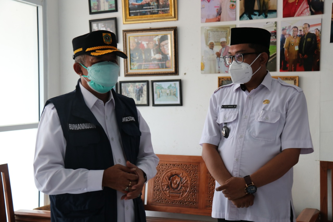 Sekda Burhanudin Tinjau Vaksinasi di Desa Cimanggis, Ajak Sama-Sama Lawan Covid-19