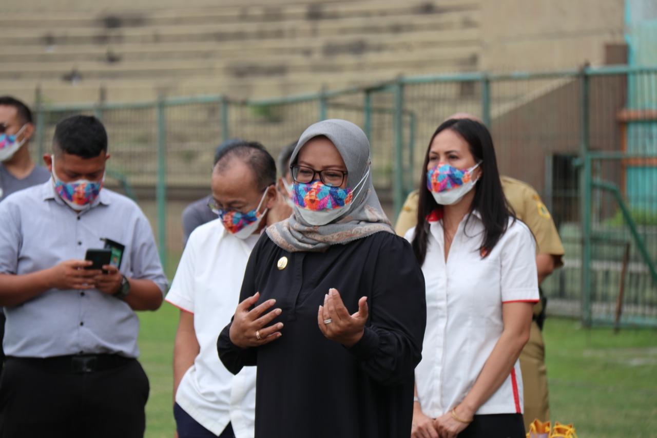 Ade Yasin Beri Semangat dan Motivasi Pada Timnas Sepakbola Putri di Stadion Persikabo
