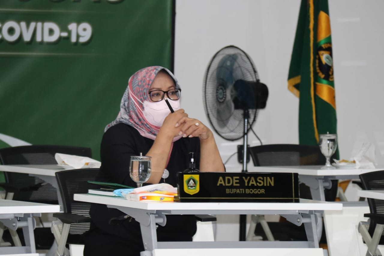 Bupati Bogor Bersama Forkopimda Ikuti Rakor Evaluasi PPKM Jawa Bali Bersama Menko Marves Secara Daring