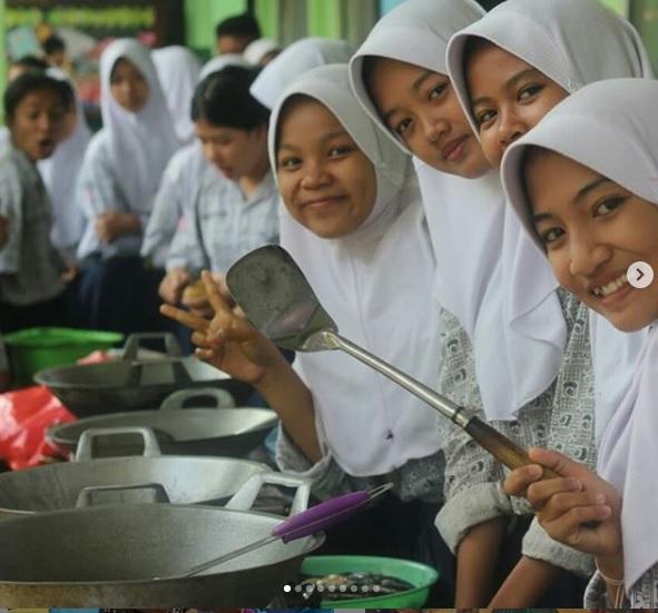 Ratusan Murid SMPN 1 Klapanunggal Jadi Chef