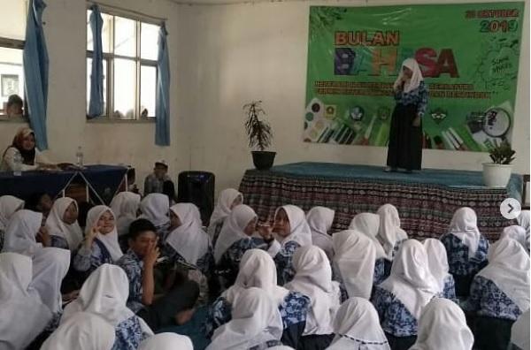 SMPN 2 Tamansari Gelar Festival Bulan Bahasa 2019