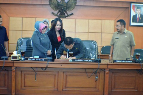 Pemkab Bogor Tandatangani MOU Bersama Kejaksaan Negeri Cibinong