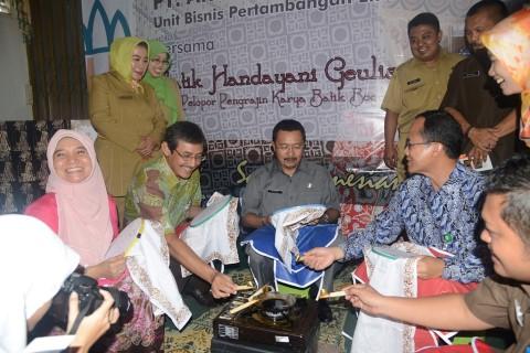 Batik Goes to School, Pemerintah Kabupaten Bogor dan ANTAM Kembangkan Batik Khas Bogor