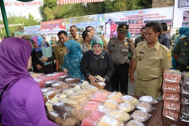 Bupati Bogor Janjikan Perbaikan Di Kecamatan Megamendung