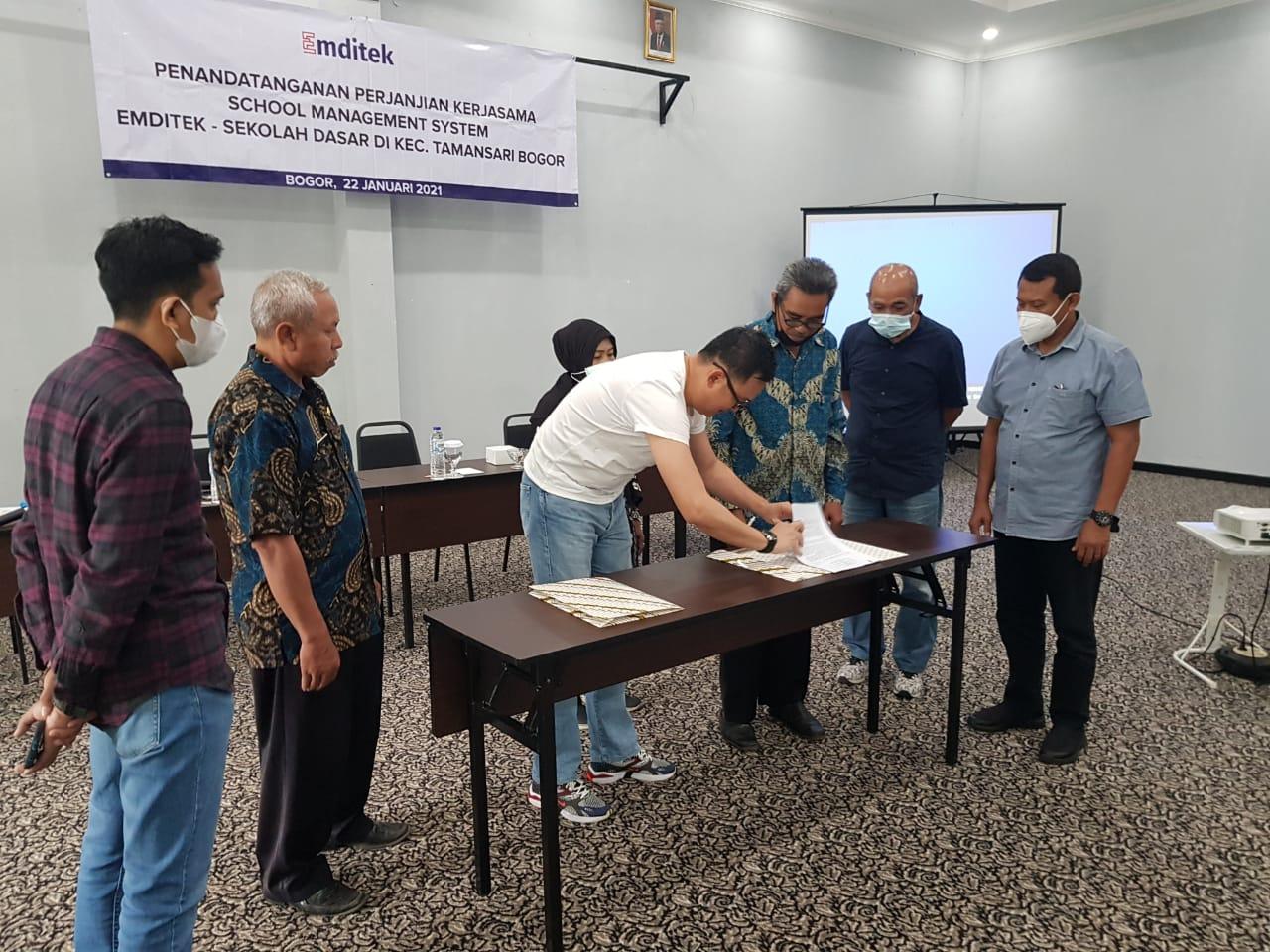 28 Sekolah Dasar Negeri di Tamansari Kabupaten Bogor Going Digital